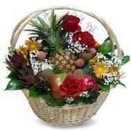 Корзина фруктов с цветами №605 - цветы и букеты на flowers.ck.ua