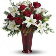 Новогодний букет цветов из роз и лилий №920 - цветы и букеты на flowers.ck.ua