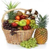 Огромная корзина фруктов - цветы и букеты на flowers.ck.ua